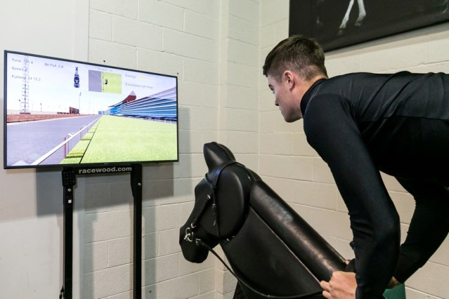 A riding simulator New master's degree to enhance physical therapies for horse riders