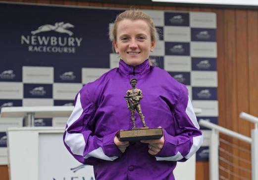 Holly Doyle with the 2021 ARO Leading Jockey Award © Debbie Burt