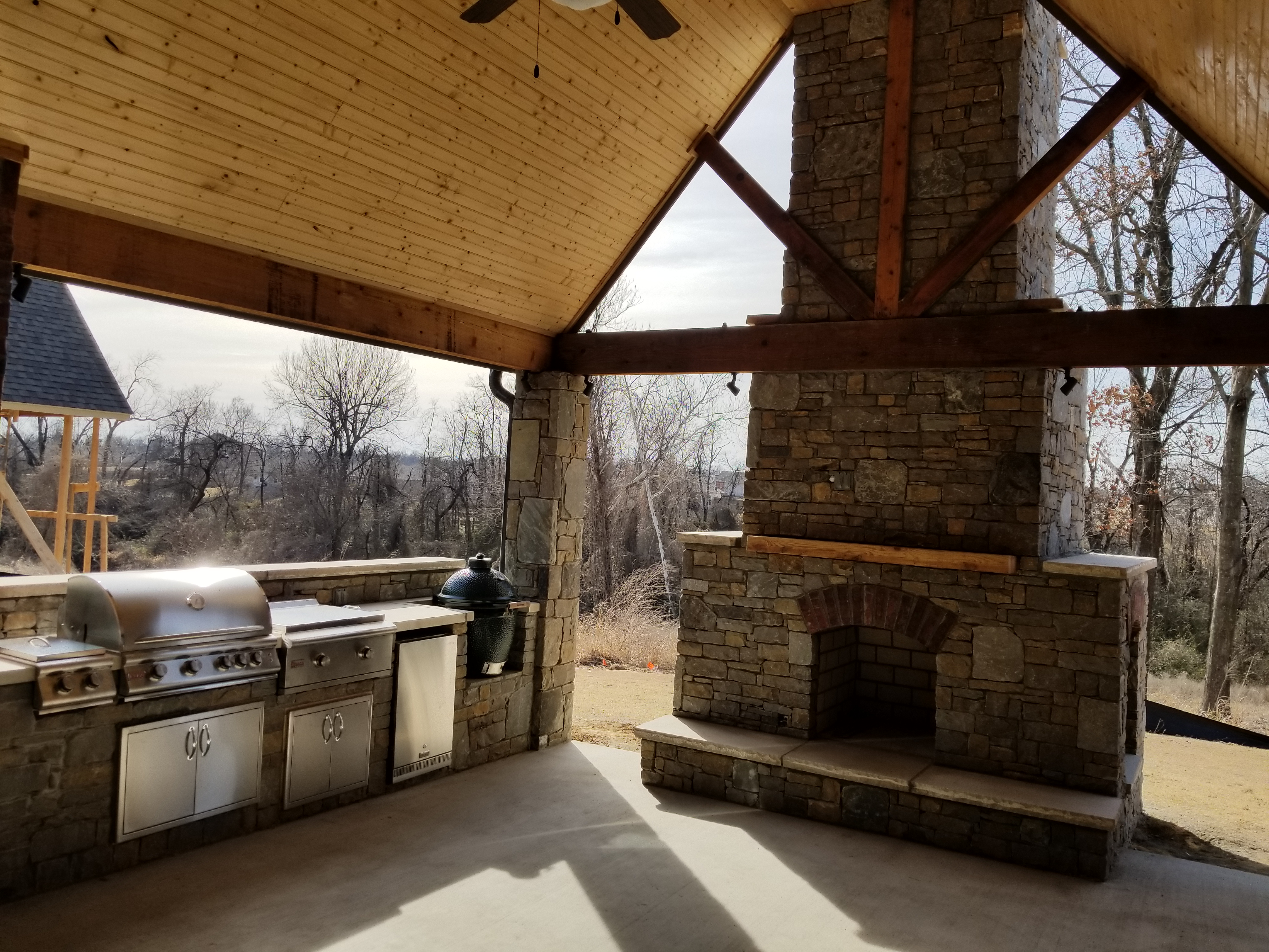Outdoor Fireplaces & Fire Pits in Tulsa and Oklahoma City