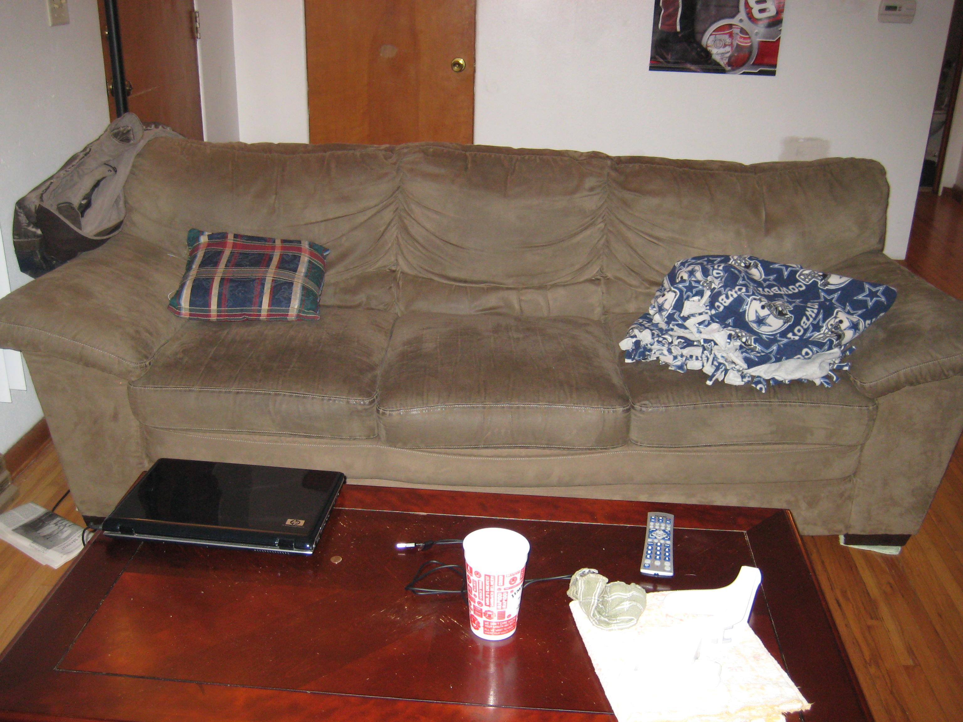 where can i donate my old sofa navy blue velvet sleeper college guy 39s apartment starter pack starterpacks