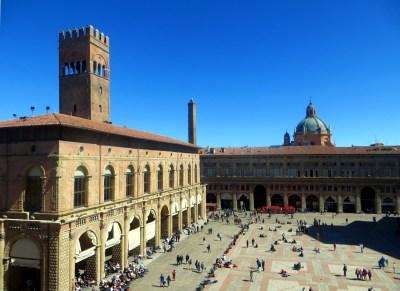 Blick auf die Piazza Maggiore