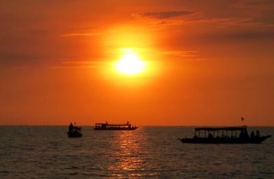 Wunderschöner Sonnenuntergang am Tonle Sap