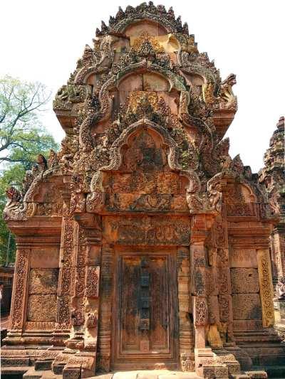 Verziertes Tor in Banteay Srei