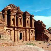 Petra: Was du in Jordaniens legendärer Felsenstadt nicht verpassen solltest