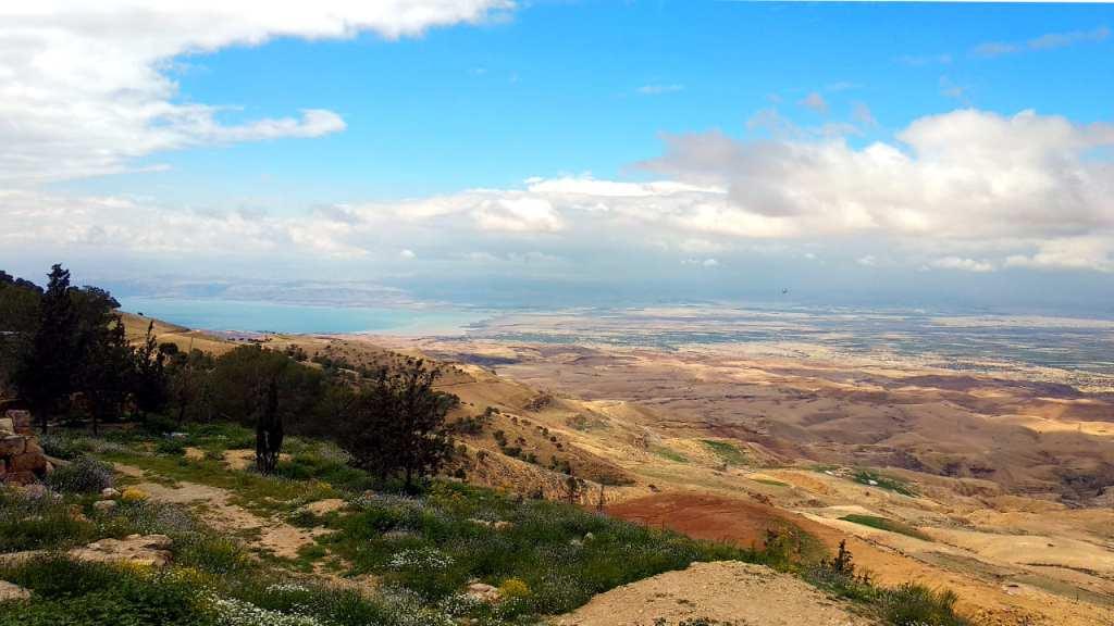 Blick vom Berg Nebo auf das Tote Meer