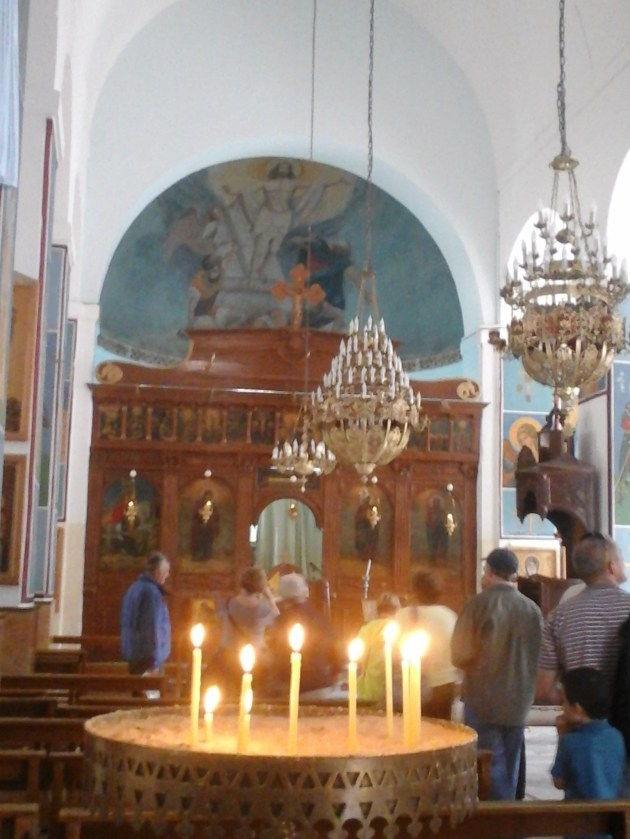 inside the church, vinneve