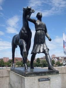 Basel girl statue, vinneve