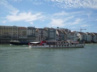 Basel river rhine, vinneve photo1
