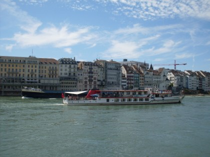 Basel river rhine, vinneve photo1