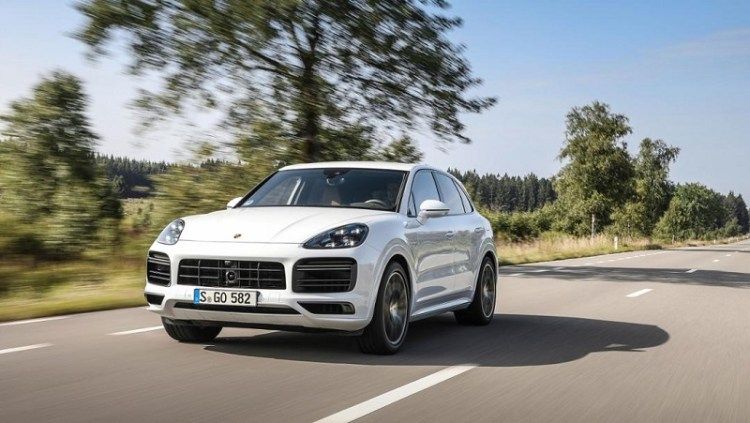 The most powerful Porsche Cayenne is a plug-in hybrid-3