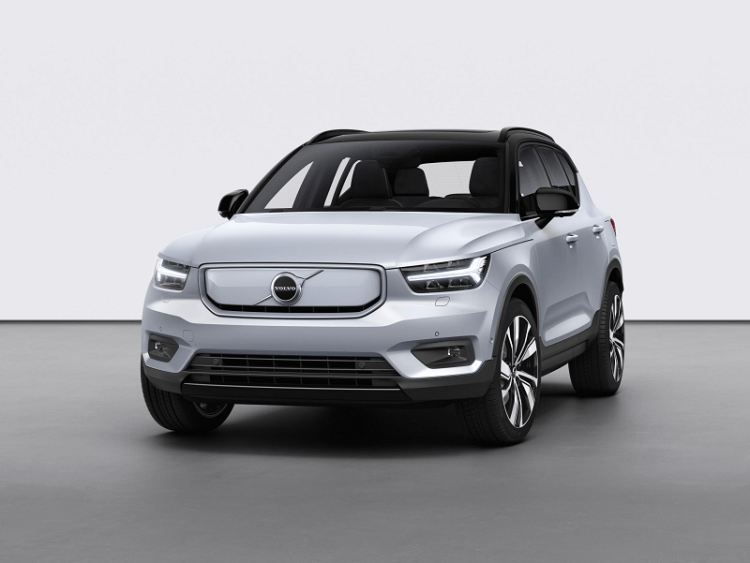 Volvo XC40 Recharge P8 AWD in Glacier Silver-3