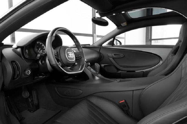 Bugatti Chiron Edition Noire Sportive interior