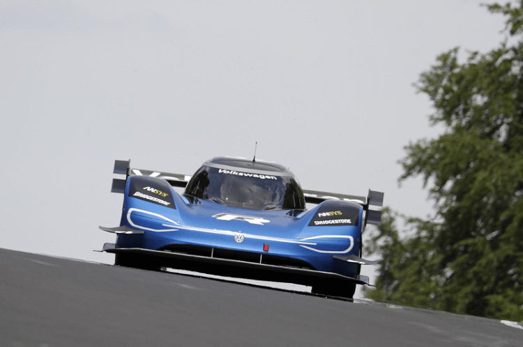 Volkswagen ID.R sets new electric record on the Nürburgring Front View