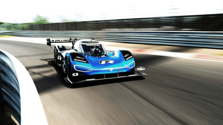 Volkswagen ID.R sets new electric record on the Nürburgring speed photo shot