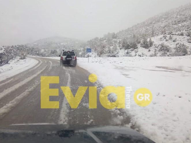 Εύβοια: Σφοδρή χιονόπτωση