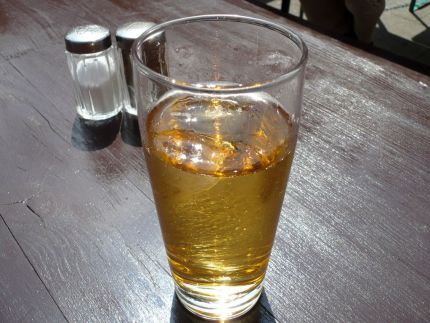 A glass of apple spritzer