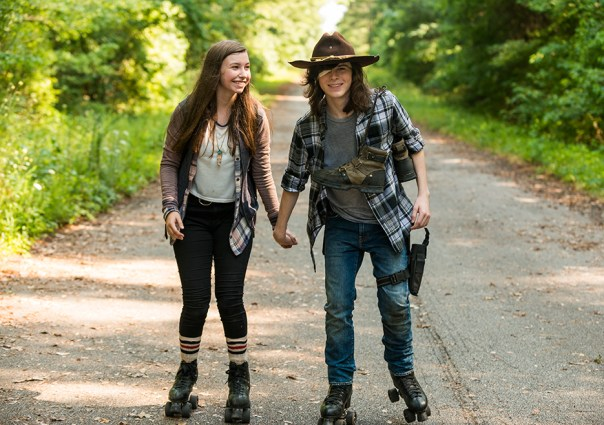 the-walking-dead-episode-705-carl-riggs-2-9351