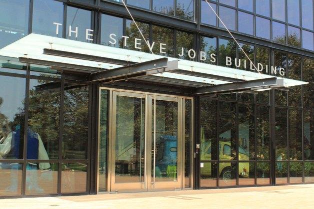 steve-jobs-building-pixar-1000px