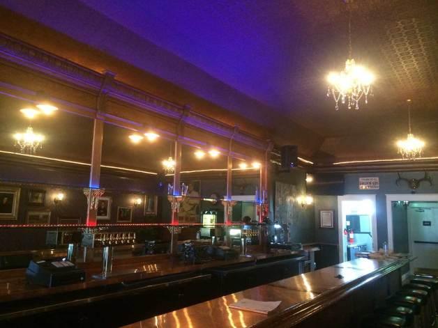 wolfhound-bar-interior-oakland-golden-gate
