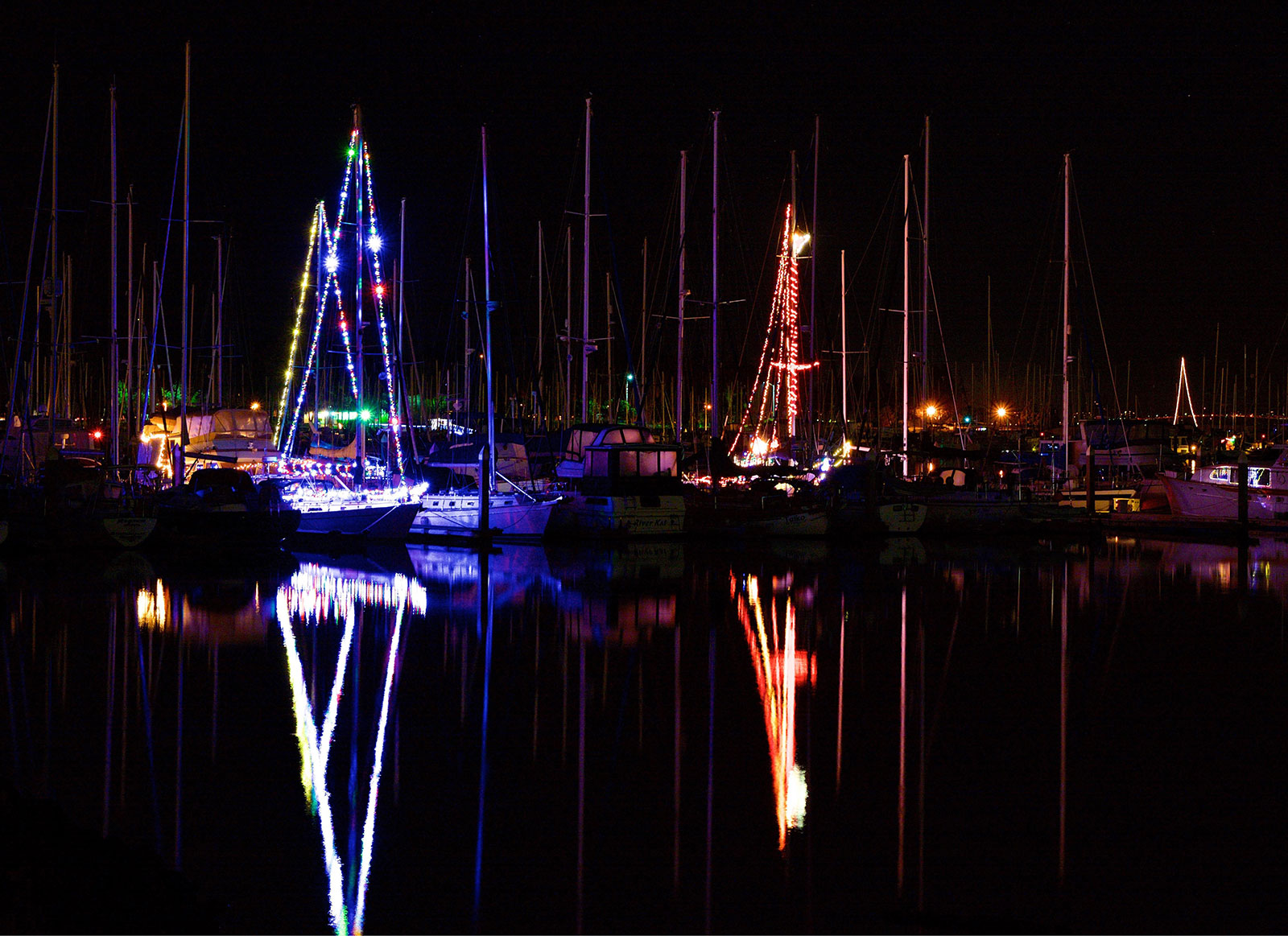 Holiday Spirit Alive And Well With Annual Emeryville Marina Christmas  Lights Competition