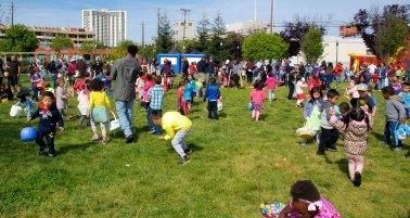 emeryville-spring-carnival-egg-hunt-27