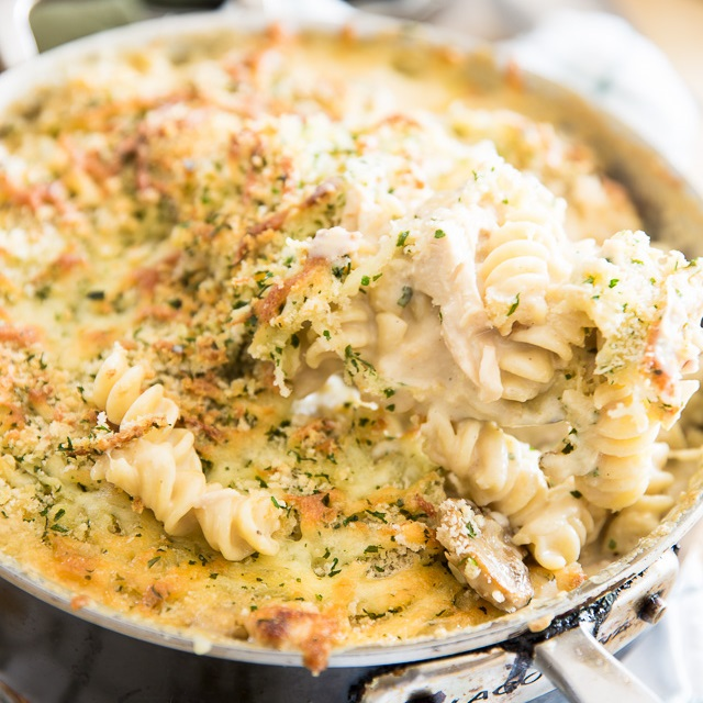 Cheesy Chicken Baked Rigatoni