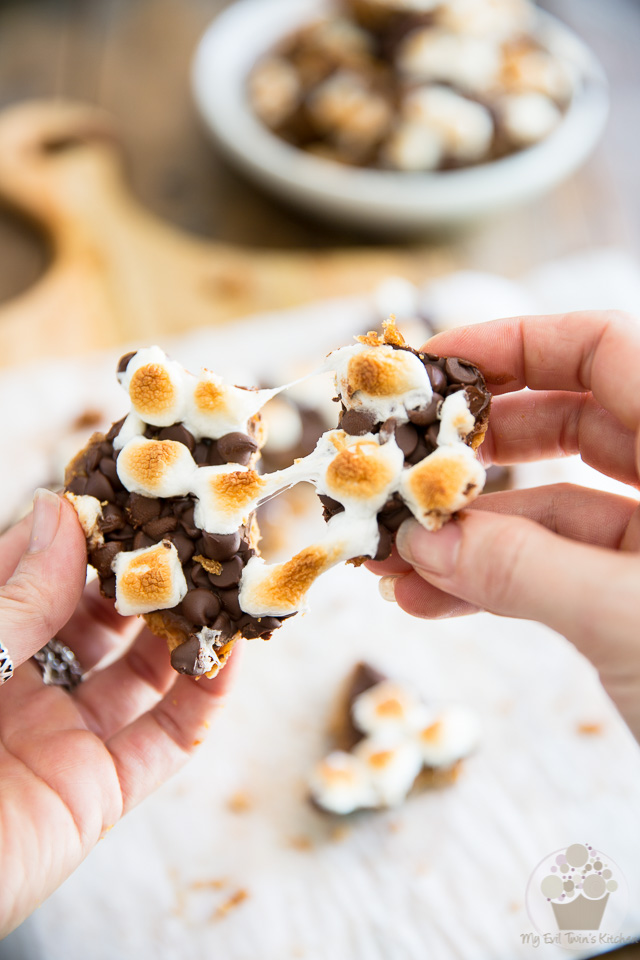 Smores Cracker Toffee - Step-by-step instructions on eviltwin.kitchen
