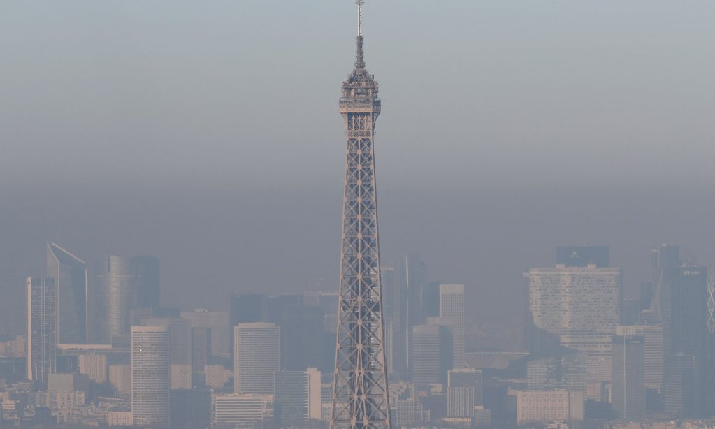 paris in smog