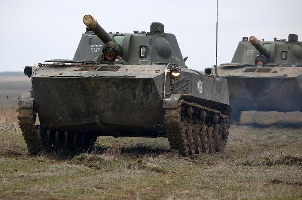Обе стороны конфликта наращивали военную мощь.