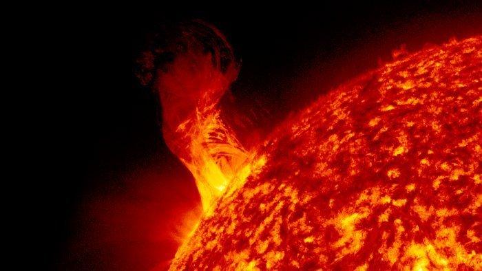 Изучение извержений с Солнца