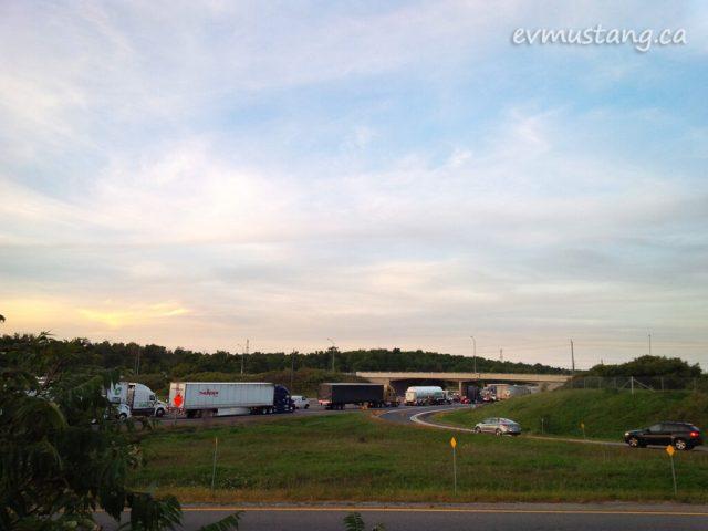 image of stopped traffic on the 401 ontario near milton
