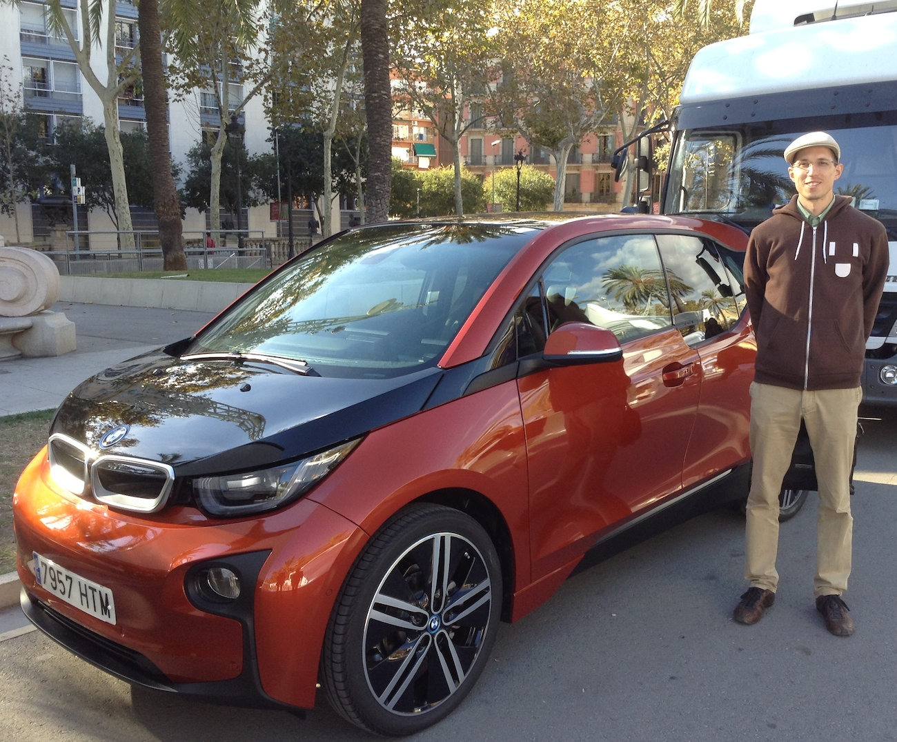 BMW i3 and me at Arc de Triompf in Barcelona, Spain.(This image is available for republishing and even modification under a CC BY-SA license, with the key requirement being that credit be given to Zachary Shahan / EV Obsession / CleanTechnica, and that those links not be removed.)