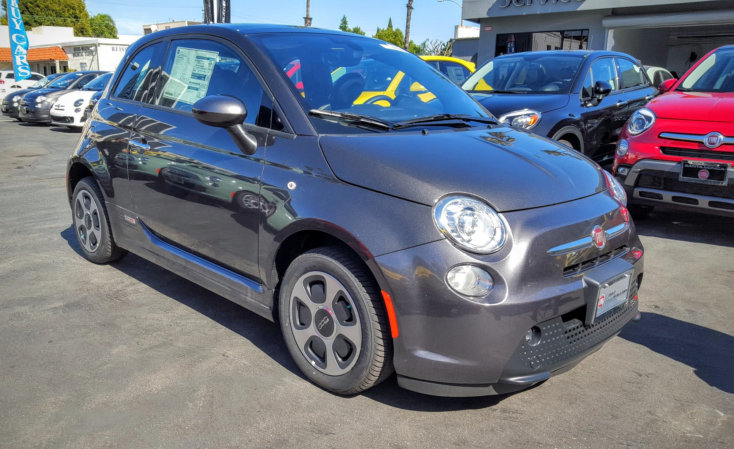 Fiat Chrysler Automobiles Recalling More Than 16 000 Fiat 500e Evs Because Of Software Glitch