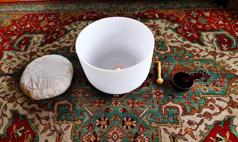 ¿Conoces los beneficios de la meditación con cuencos de cuarzo?