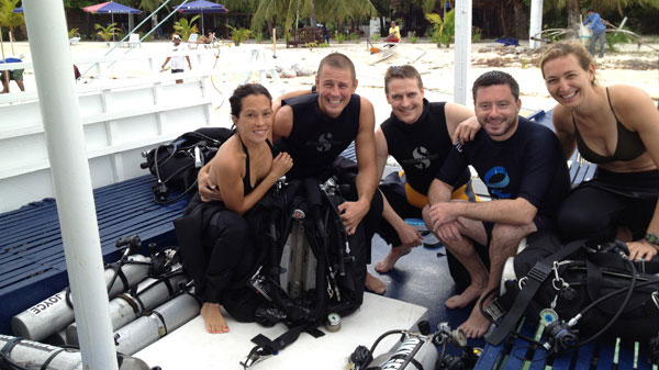 pioneer team fun diving malapascua