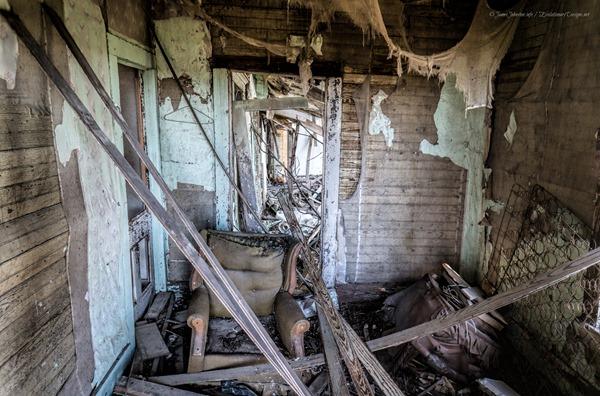 Abandoned Farm House in Eddy, Texas