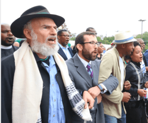 Rabbis Mordechai Liebling and Ari Witkin at a rally