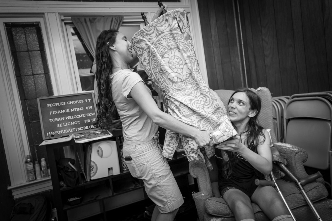 Welcoming the Torah to Baltimore. Photograph by Dorret Oosterhoff.