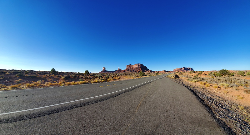 View from the roadside of Monument Valley.