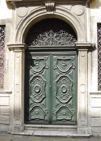 Porta_di_sinagoga_-_Foto_Giovanni_Dall_internet
