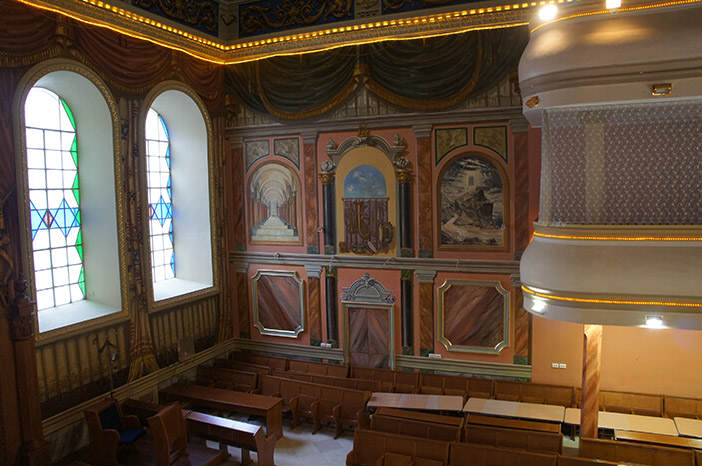 Интерьер львовской синагоги на ул. Братьев Михновских