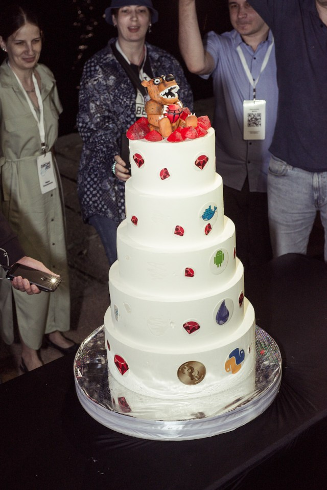 corporate evrone cake