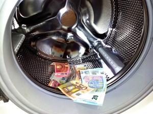 Пране на пари/ Launder – Дума на деня – EVS Translations
