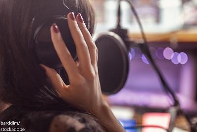 Welche Art von Voiceover soll Ihre Marke in Ihrer Videokampagne repräsentieren?