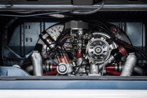 internal combustion engine lee-attwood-576895-unsplash