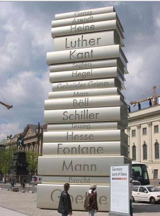 Giant books, Berlin