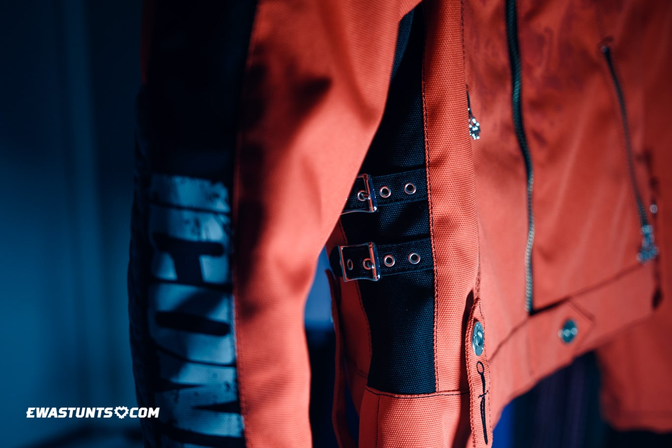 ewastunts_icon_jacket-17