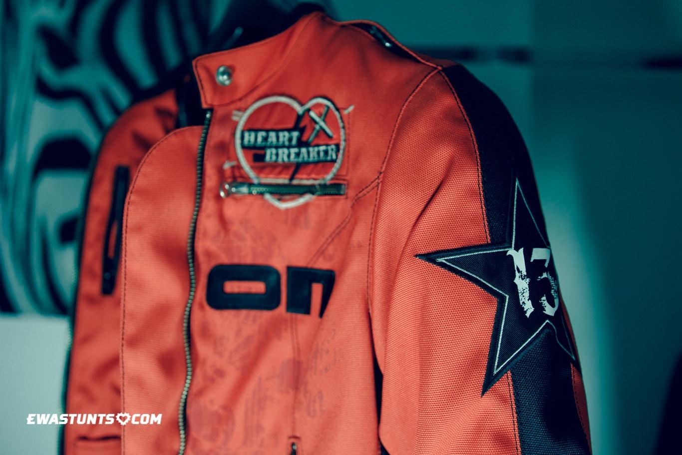 ewastunts_icon_jacket-43