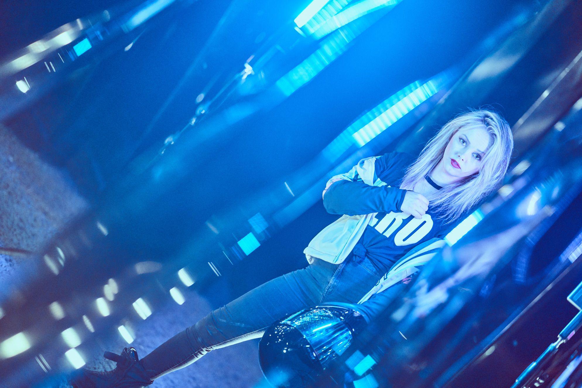 ewa_stunts_icon_merc_azul_session_34