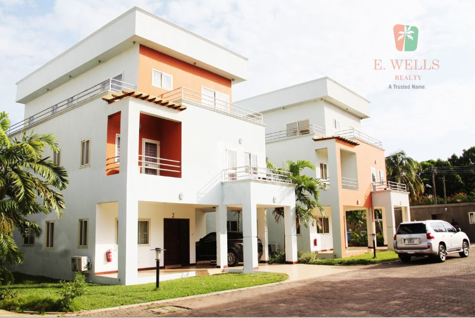 4 Bedroom Town House For Sale in Cantonments